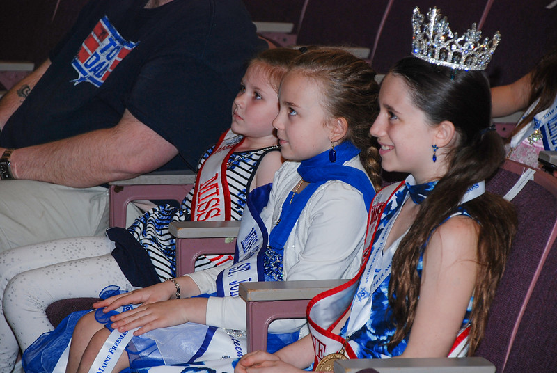 Ellyssa Vance, Miranda Torrey, and Anglee Brewer enjoy the improv show