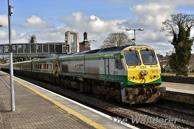 224 arrives into Portlaoise with the 1100 Heuston - Cork. Tues 13.03.18