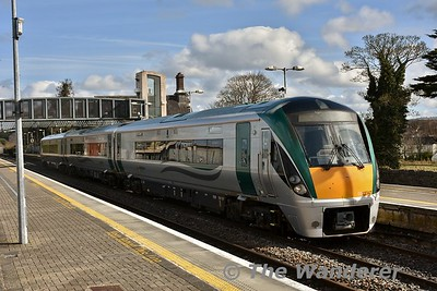 22047 departs from Portlaoise after arrving with the 1020 from Heuston. It is heading to Laois Traincare Loop to stable for the 1225 Portlaoise - Heuston. Tues 13.03.18
