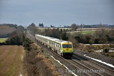 224 passes Rosskelton with the 1300 Heuston - Cork. Mon 06.03.18