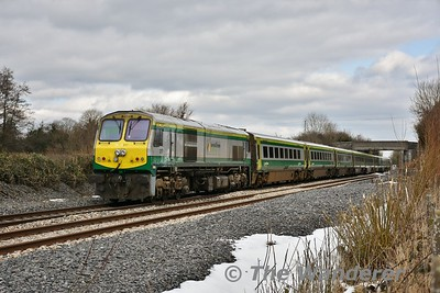 4008 passes Rosskelton with the 1225 Cork - Heuston. Mon 06.03.18
