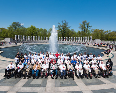 10. Group Photo and WWII Memorial