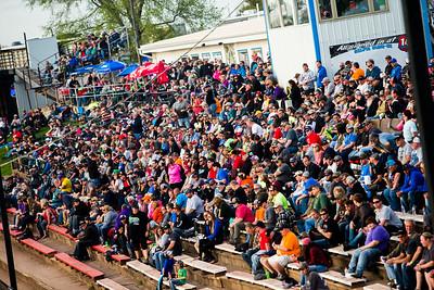 141 Speedway fans