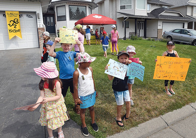 Children from Peanuts Lifetime Pals Club on Southridge Avenue were selling lemonaide Wednesday afternoon to raise funds for Jumpstart. Jumpstart is a national charity with a commitment to local communities. Organized sports connect kids to their communities. Canadian Tire recognized this and makes sure that money raised stays where it is donated. Canadian Tire Corporation is Jumpstart's biggest supporter as it funds all the general administrative expenses of Jumpstart, which means 100% of customer donations go directly to help kids in need.  b   Aug 1 2018