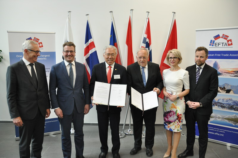 Ministers from Member States of the European Free Trade Association (EFTA) – Iceland, Liechtenstein, Norway and Switzerland – and from Indonesia, signed a Joint Statement on 23 November 2018 in Geneva, Switzerland.<br /> <br /> From left: Henri Gétaz, EFTA Secretary-General, Guðlaugur Þór Þórðarson, Minister for Foreign Affairs and External Trade of Iceland, Enggartiasto Lukita, Minister of Trade of the Republic of Indonesia, Johann N. Schneider-Ammann, Federal Councillor and Head of the Federal Department of Economic Affairs, Education and Research of Switzerland, Aurelia Frick, Minister of Foreign Affairs, Justice and Culture of Liechtenstein, Torbjørn Røe Isaksen, Minister of Trade and Industry of Norway.
