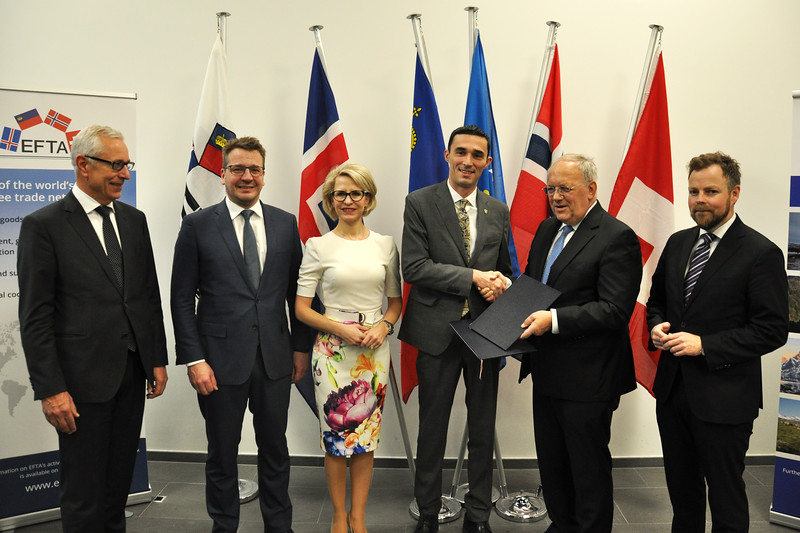 Ministers from the Member States of the European Free Trade Association (EFTA) – Iceland, Liechtenstein, Norway and Switzerland – and from Kosovo, signed a Joint Declaration on Cooperation (JDC) on 23 November 2018 in Geneva, Switzerland.<br /> <br /> From left: Henri Gétaz, EFTA Secretary-General, Guðlaugur Þór Þórðarson, Minister for Foreign Affairs and External Trade of Iceland, Ms Aurelia Frick, Minister of Foreign Affairs, Justice and Culture of Liechtenstein, Endrit Shala, Minister of Trade and Industry of the Republic of Kosovo, Johann N. Schneider-Ammann, Federal Councillor and Head of the Federal Department of Economic Affairs, Education and Research of Switzerland, and Torbjørn Røe Isaksen, Minister of Trade and Industry of Norway.