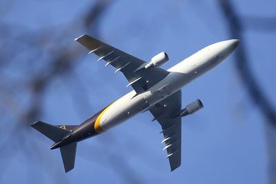 Airbus A300-622F UPS