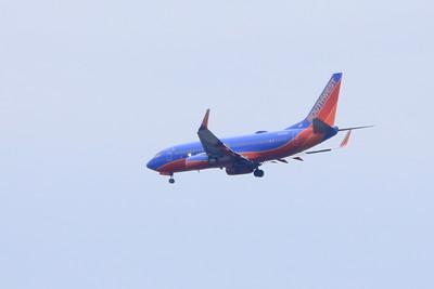 Southwest Airlnes Boeing 737-7H4