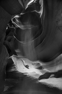 DA040,DB,Light_Shining_on_Navajo_Sand-9972