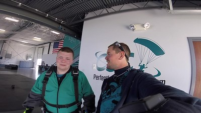 1356 Travis Ganther Skydive at Chicagoland Skydiving Center 20180427 Eric Eric