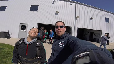 1532 Jamie Henshaw Skydive at Chicagoland Skydiving Center 20180428 Eric Eric