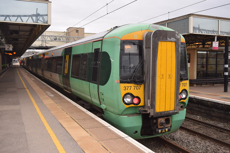 Southern Class 377 Electrostar no. 377707 at Milton Keynes Central on an East Croydon service, 17.04.2018.