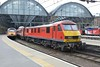 25 April 2018 :: 90019 is arriving at King's Cross at the rear of 1A19 the 0916 from Leeds