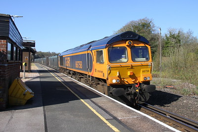 66758 Micheldever 18/04/18 4Y19 Mountfield to Southampton Western Docks