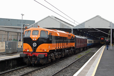 Retro liveried no. 071 makes a fine sight at Dublin Connolly before departing with the fist leg of the RPSI's 'Barnach Line Wander' railtour to Waterford (07/04/2018)