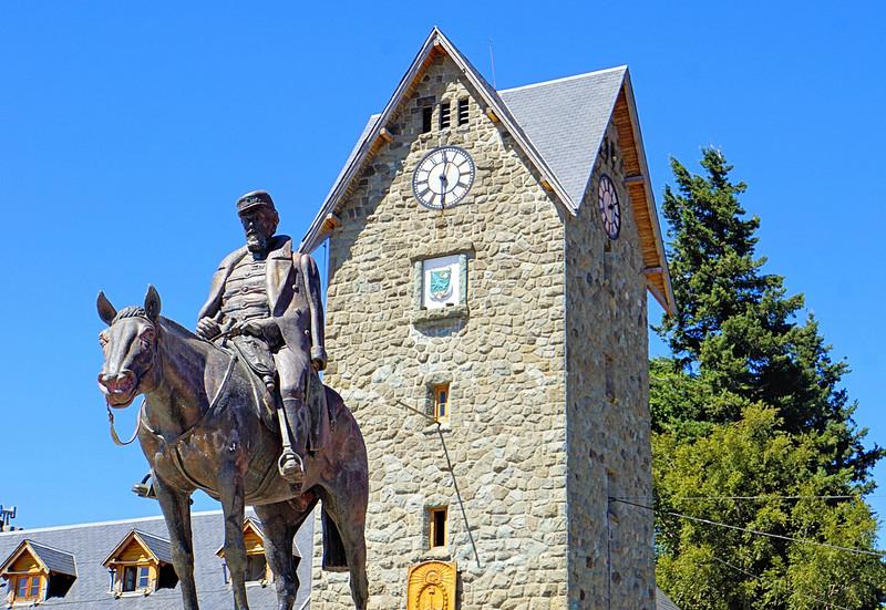 Statue of San Martín in the Square