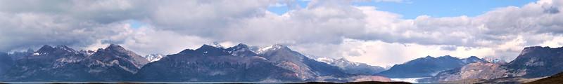 Landscape on the road to El Chaltén - Glacier Viedma in view