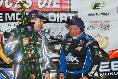 Scott Bloomquist (L) and second place finisher Don O'Neal (R)