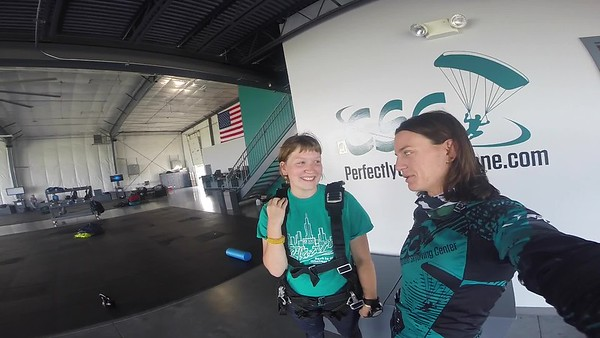 1004 Kate Heilenbach Skydive at Chicagoland Skydiving Center 20180804 Jo Jo