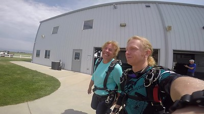 1347 Susan Luzwick\	 Skydive at Chicagoland Skydiving Center 20180806 Klash Klash
