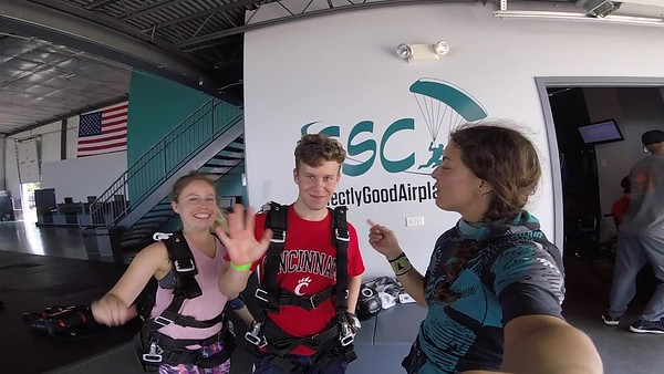 1550 Gregory Terrell Skydive at Chicagoland Skydiving Center 20180810 Amy Amy