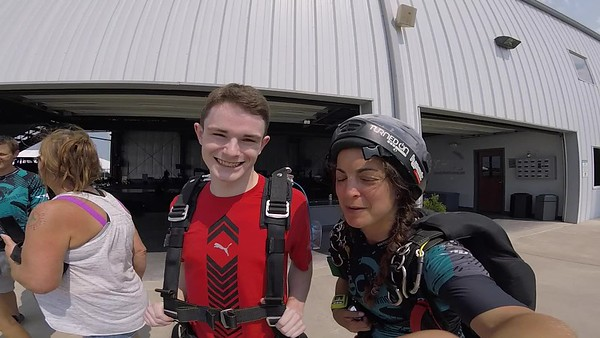 1516 Keaton Price Skydive at Chicagoland Skydiving Center 20180811 Ay Amy