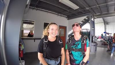 1659 Savannah Taylor Skydive at Chicagoland Skydiving Center 20180819 Shannon Jo