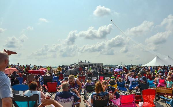 MET 081918 Air Show Crowd