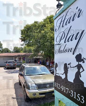 MET 080518 Hair Play