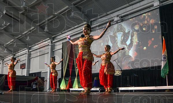 MET 080418 Dancers 2