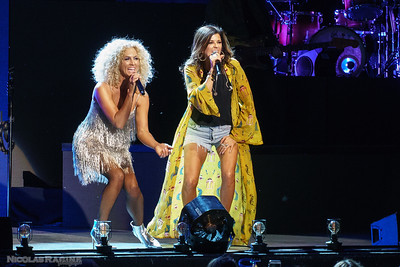 Kimberly Schlapman et Karen Fairchild; Little Big Town; Bandwagon Tour; Budweiser Stage in Toronto
