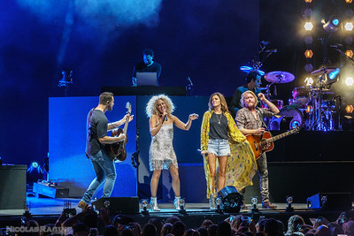 Jimi Westbrook, Kimberly Schlapman, Karen Fairchild et Phillip Sweet; Little Big Town; Bandwagon Tour; Budweiser Stage in Toronto