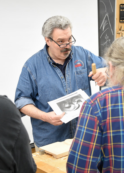 Carving Appliqués for Furniture & Architecture with Bob Yorburg