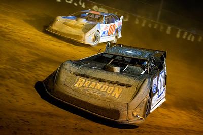 Kyle Bronson (40B) and Jeff Smith (00)