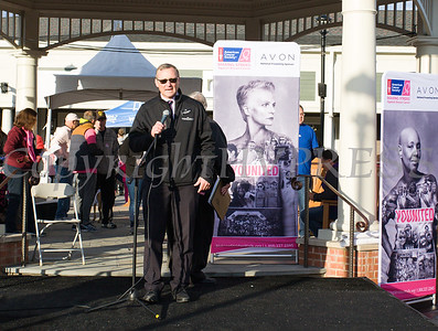 David Mistretta, general manager of Woodbury Common Premium Outlets offers remarks as thousands of people, including cancer survivors, their families and businesses, arrived to participate in the annual American Cancer Society Making Strides Against Breast Cancer walk at Woodbury Common Premium Outlets in Central Valley, NY on Sunday, October 14, 2018. Hudson Valley Press/CHUCK STEWART, JR.