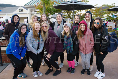 A group of sorrority sisters from SUNY New Paltz joined thousands of people, including cancer survivors, their families and businesses, that participated in the annual American Cancer Society Making Strides Against Breast Cancer walk at Woodbury Common Premium Outlets in Central Valley, NY on Sunday, October 14, 2018. Hudson Valley Press/CHUCK STEWART, JR.