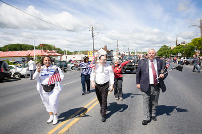 Elected officials, Councilmembers Cindy Holmes (Ward 4) and Hillary Rayford (At-Large), NYS Assemblyman Frank Skartados, Councilmember Genie Abrams and Orange County Legislator James Kulisek take part in the annual Memorial Day Parade on Saturday, May 27, 2017, which proceeded along Broadway to Washington's Headquarters. Hudson Valley Press/CHUCK STEWART, JR.