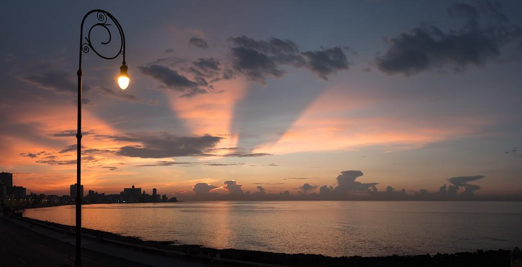 Куба, Гавана, Малекон, закат