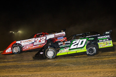 Bobby Pierce (32) and Jimmy Owens (20)