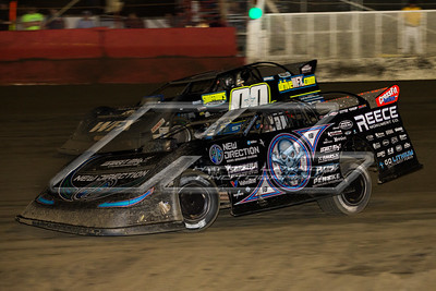 Scott Bloomquist (0) and Jesse Stovall (00)