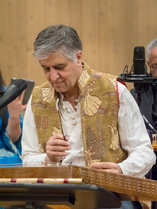 Mohammad Nejad plays the santour