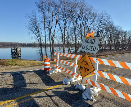 MET 022618 High Water Sign