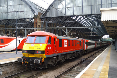90019 'Multimodal' is pictured on arrival at London Kings Cross with the 1A19 0916 from Leeds. The loco would return north shortly afterward as the 1B84 1208 to Newark Northgate (10/02/2018)
