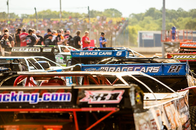 Dirt late models in staging