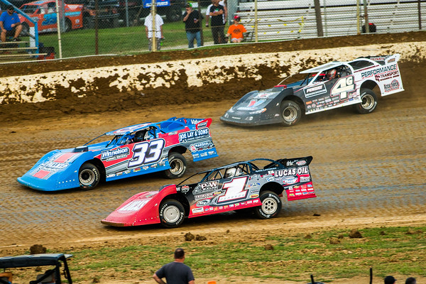 Earl Pearson, Jr. (1), Jesse Lay (33) and Kody Evans (4G)