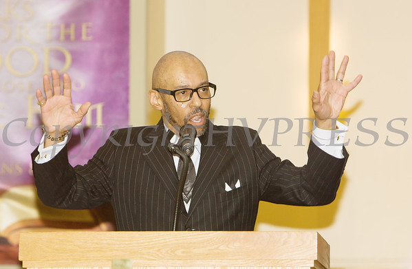 Rev. Dr. Tony Hart introduces the Guest Speaker for the Dutchess County African American Clergy Association's 49th Annual Commemorative Service on Sunday, January 14, 2018 at Beulah Baptist Church in Poughkeepsie, NY. Hudson Valley Press/CHUCK STEWART, JR.
