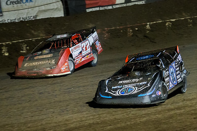Scott Bloomquist (0) and Bobby Pierce (32)