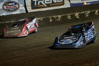 Bobby Pierce (32) and Scott Bloomquist (0)