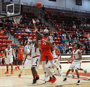 Basketball V. Redford