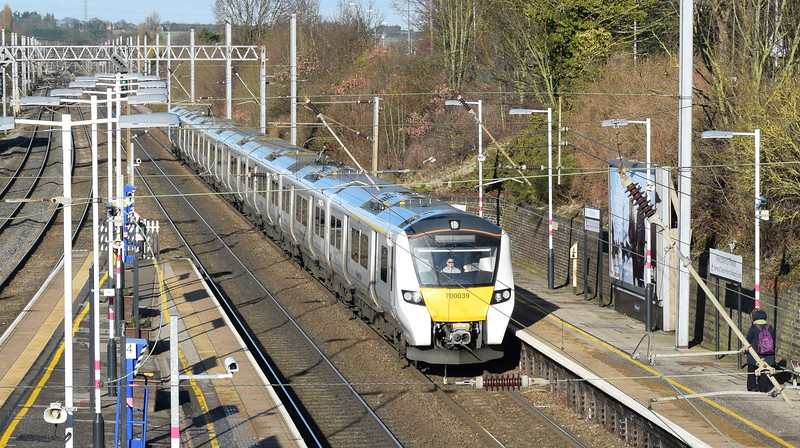 Thameslink Class 700 Desiro City no. 700039 arriving at Flitwick on a Brighton service, 19.01.2018.